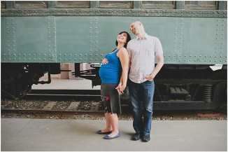 travel town maternity photos