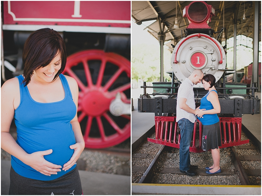 travel themed maternity photos